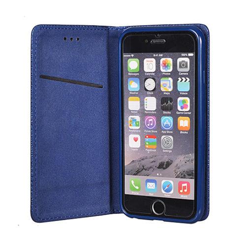 oldalra nyitható, kék színű telefontok